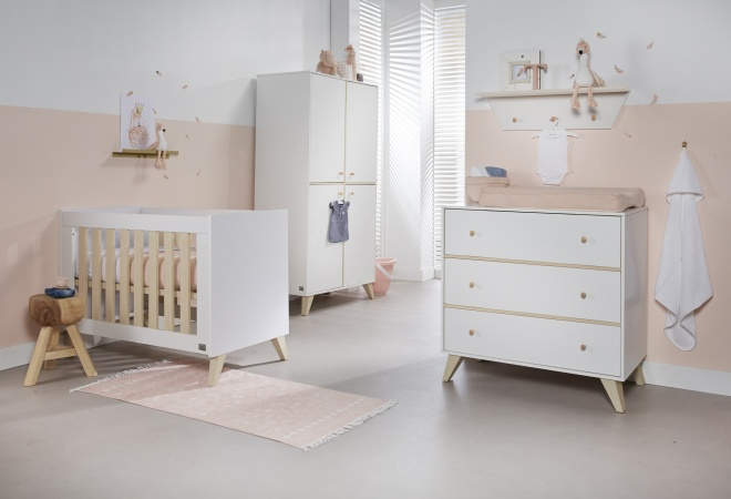 Ledikant 70 x 140 Incl. Juniorzijden - Commode - Hanglegkast Finn