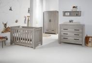 Meegroeibed 60 x 120 Incl. Bedbankzijde en 1 Persoons Zijdes - Commode - Hanglegkast Portofino